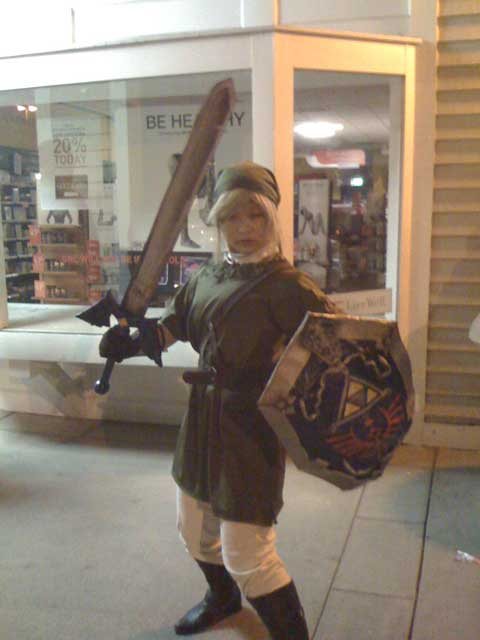 Brawl Midnight Release - Link Cosplay